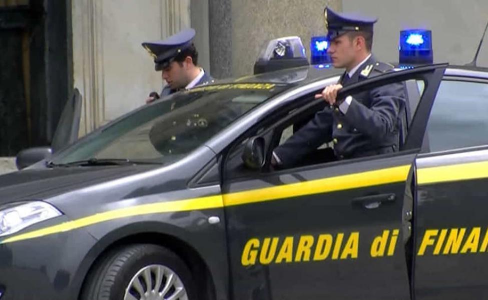 Steuer: 600 Tausend Euro bei führendem Pharmaunternehmen in Reggello (FI) beschlagnahmt